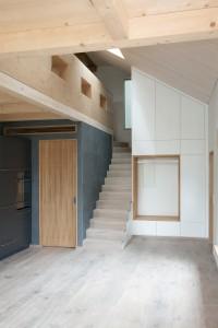 Rotstalden Innen ueber-die-Treppe-nach-oben